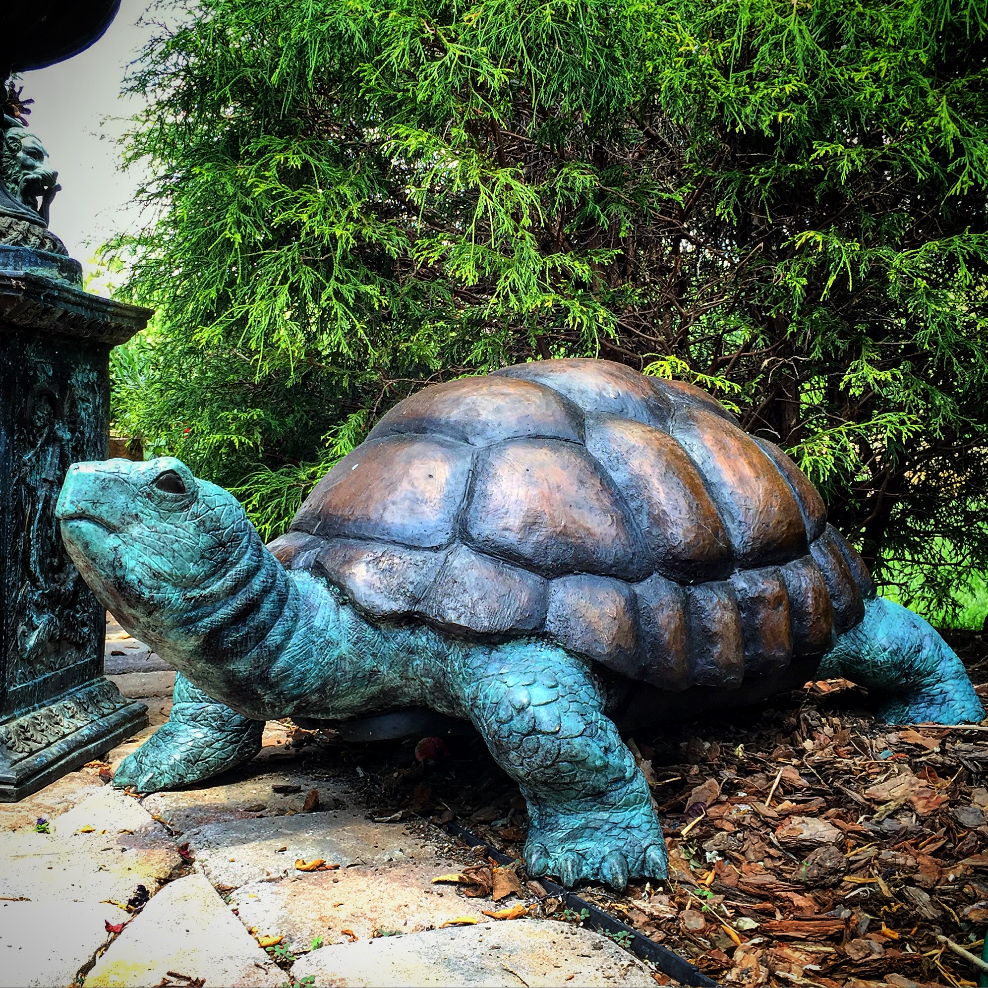 Bronze Turtle Fountain Medium Metropolitan Galleries Inc. Giant Galapagos  Tortoise Garden Statue Statuary Lawn Yard