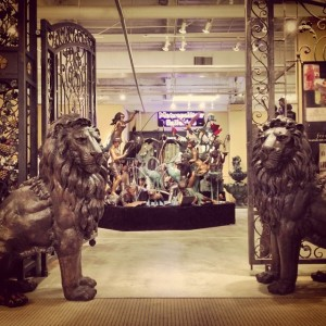 bronze_lion_statue_metropolitan_galleries_bronzestatuestore.com_cast_bronze_lion_statue_iron_gate_high_point_north_carolina_high_point_market