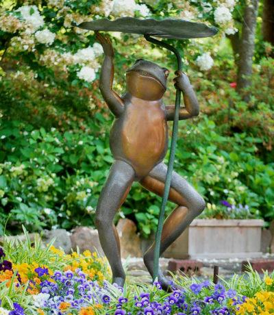 SRB41006 Angora Frog holding Lotus Leaf Fountain VIGNETTE