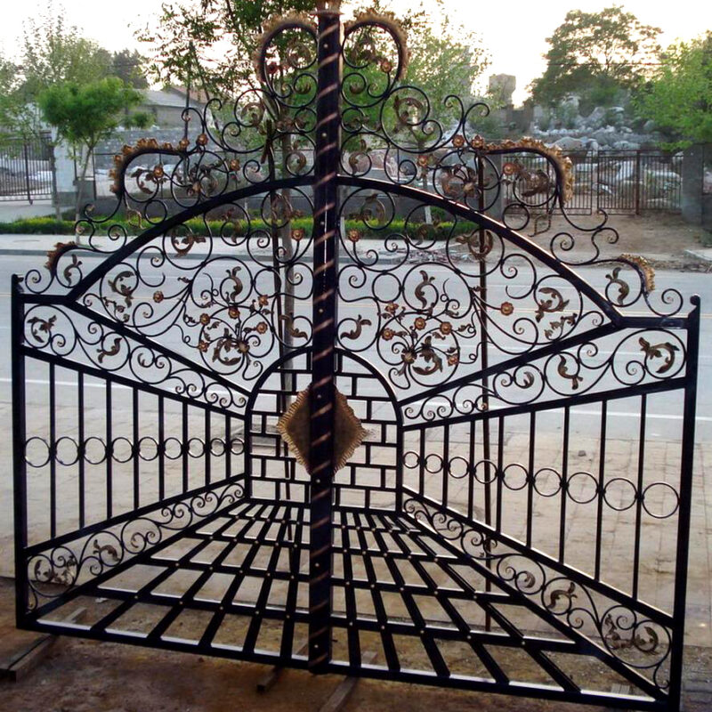 ING85641 Iron Double Gate Ornate Pattern Metropolitan Galleries Inc.
