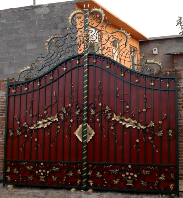 ING85643 Iron Double Gate with Arch Metropolitan Galleries Inc.