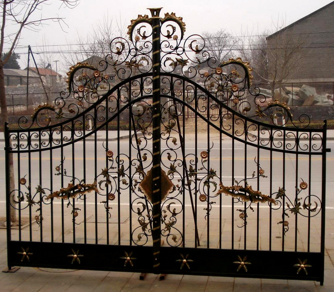 ING85646 Iron Double Ornate Gate Metropolitan Galleries Inc.